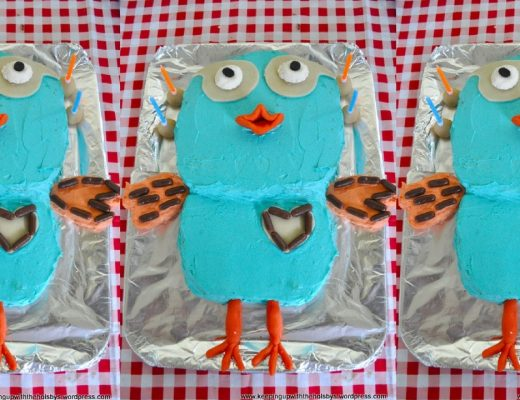 How to make a giggle and hoot cake