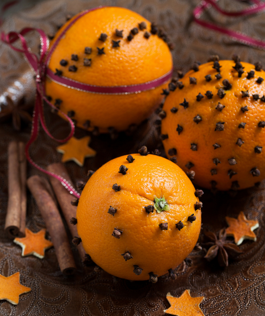 decorate oranges with cloves