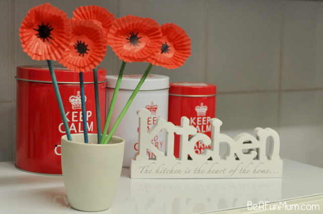 how to make a paper ANZAC poppy flower