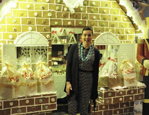 Life Size Gingerbread House - j=Jumeirah Hotel - Dubai