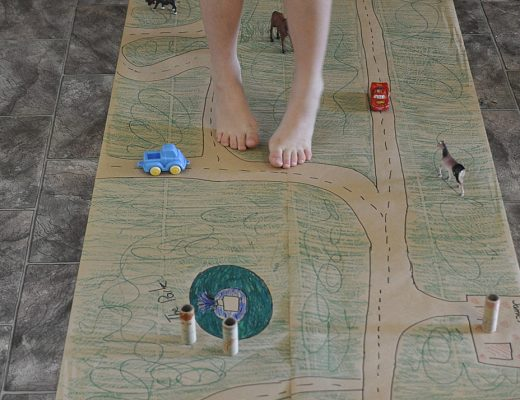 Paper Play Hall Runner