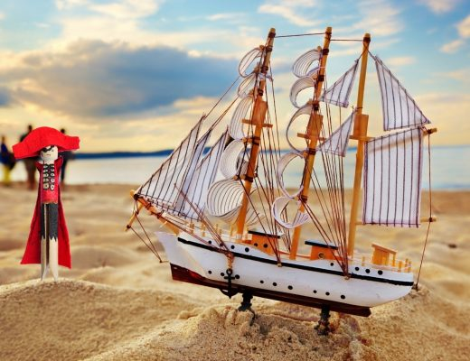 How to make a Pirate Peg Doll