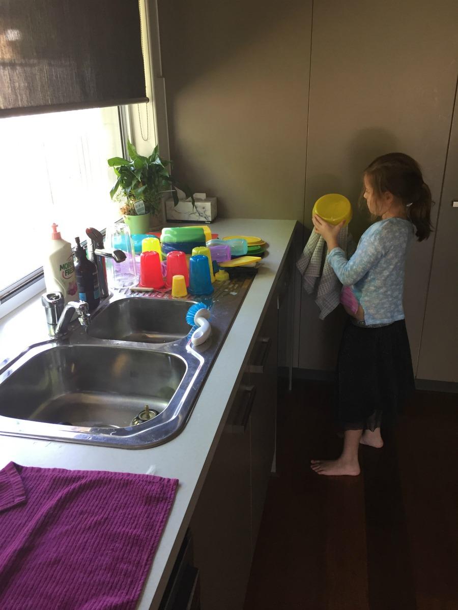 washing up raising independant childre