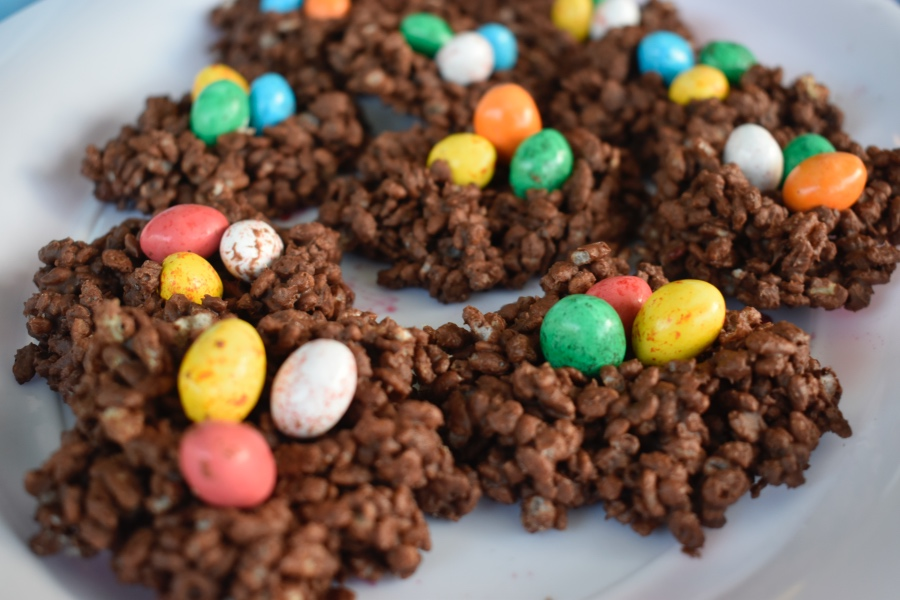 No bake Easter chocolate crackles