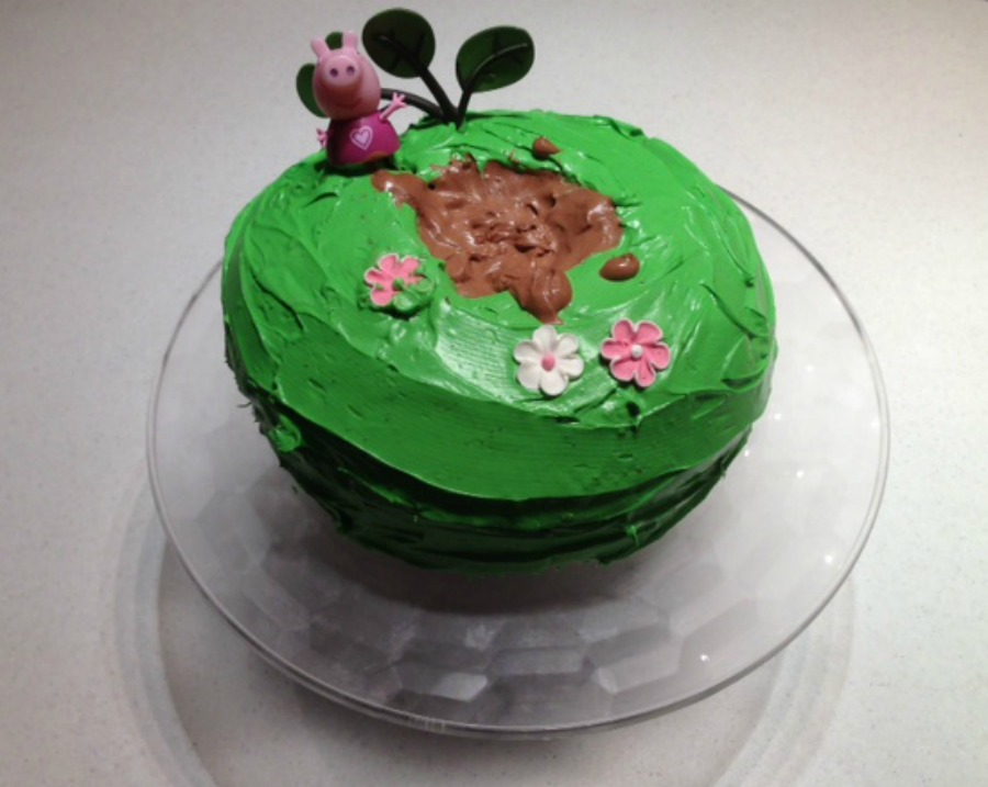 Peppa Pig Muddy Puddles Cake