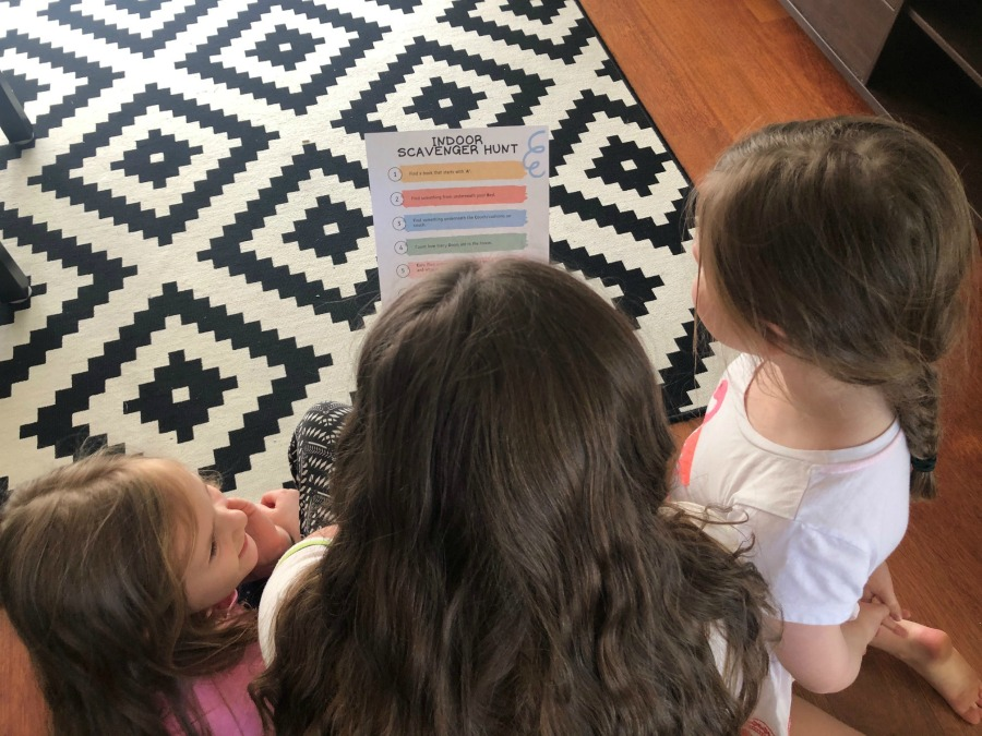 indoor scavenger hunt for kids