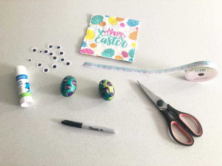materials for bunny napkin craft