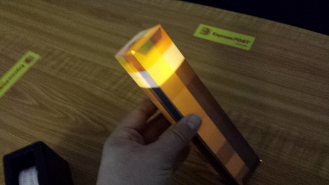 how to craft a torch in minecraft minecraft torch with flickering light be a 8118