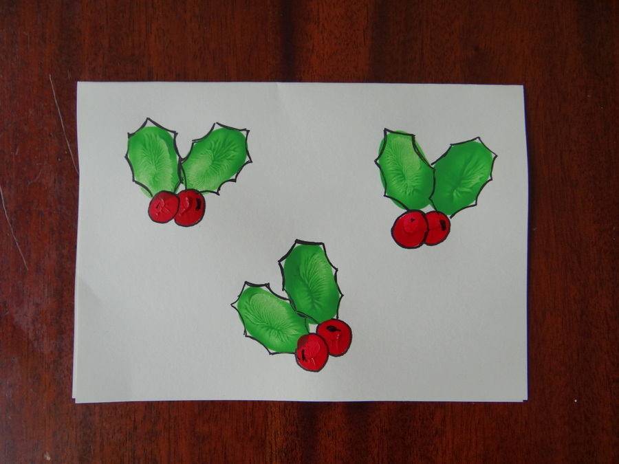 Homemade Christmas Cards using fingerprints – Holly – Be A Fun Mum