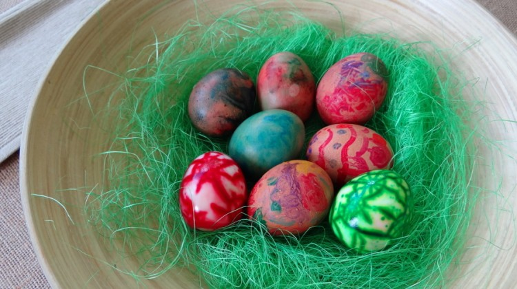 Easter Craft Idea: 3 Ways to Decorate Boiled Eggs