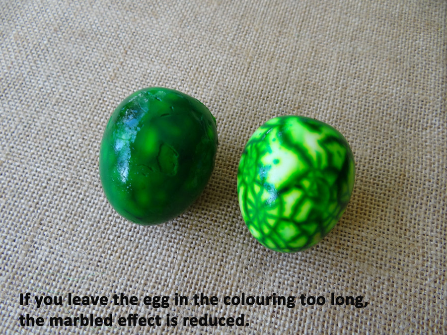Shaving cream - how to decorate a boiled egg for Easter