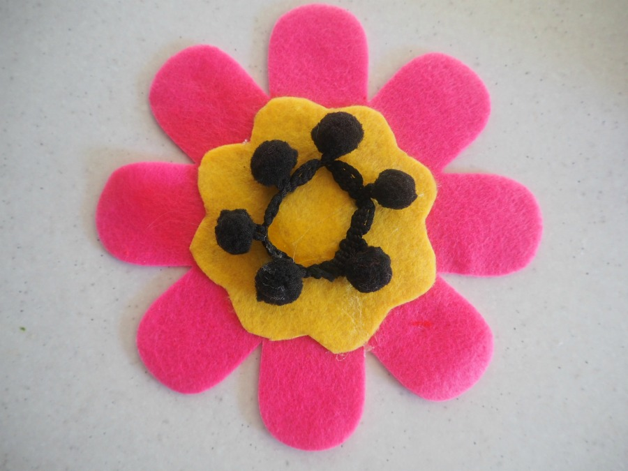 felt flower brooches for mother's day craft