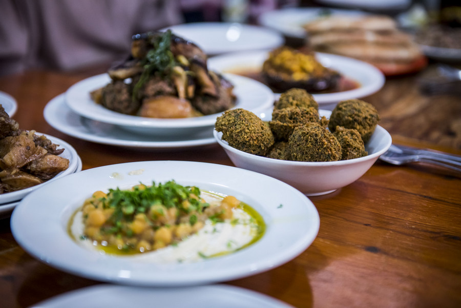 Azura restaurant in Iraqi market