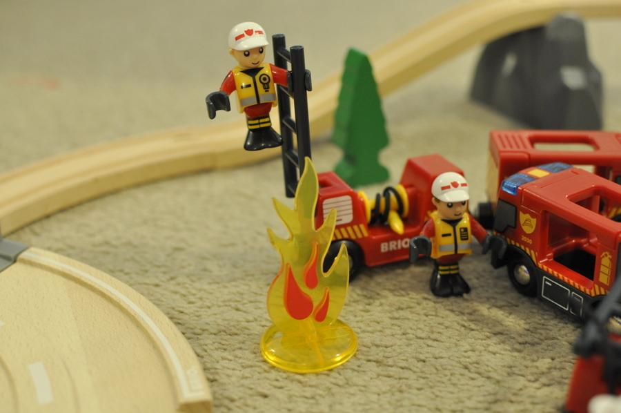 Brio Rescue Set Review - train