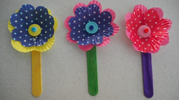 Easy Cupcake Case Flower Craft