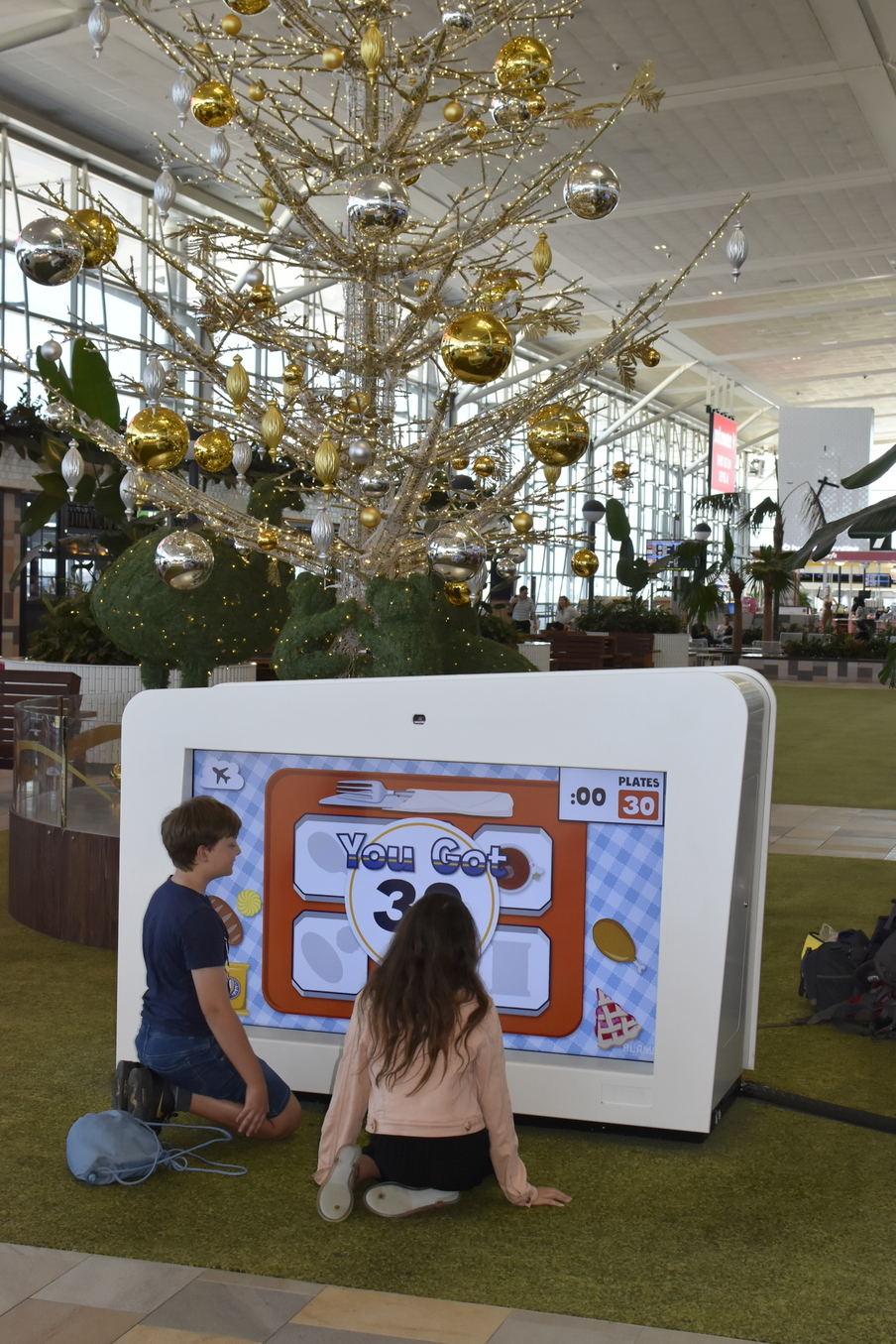 What to do to kids occupied while you are at the airport