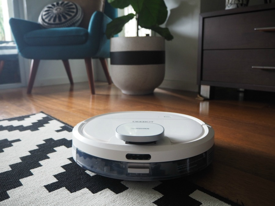ECOVACS ROBOTIC Deebot Ozmo 900 - navigate a variety of surfaces