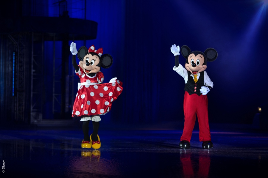Disney on Ice - Mickey Mouse and Minnie Mouse