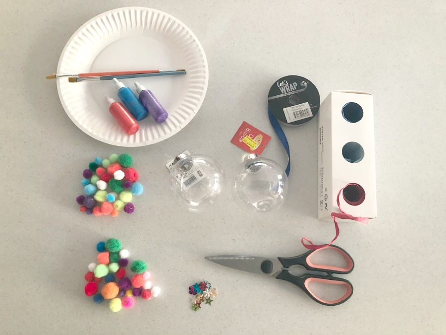 materials for pom pom baubles