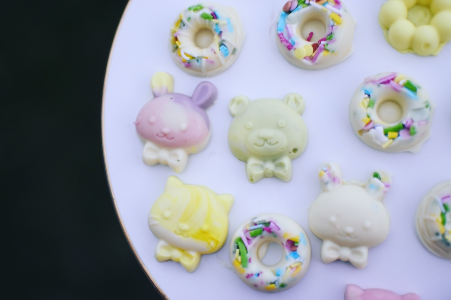 How to make Easter pastel chocolates