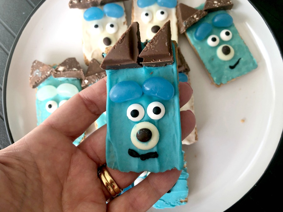 Make a Bluey Biscuit