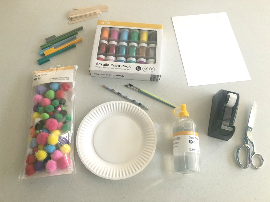 materials to make paper plate llama