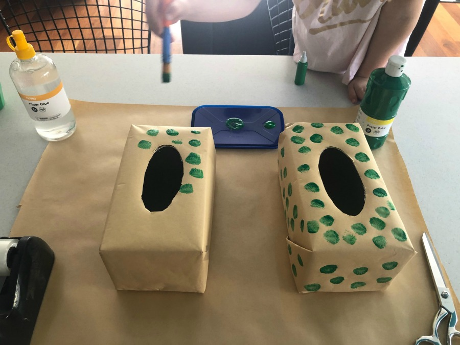 paint green spots