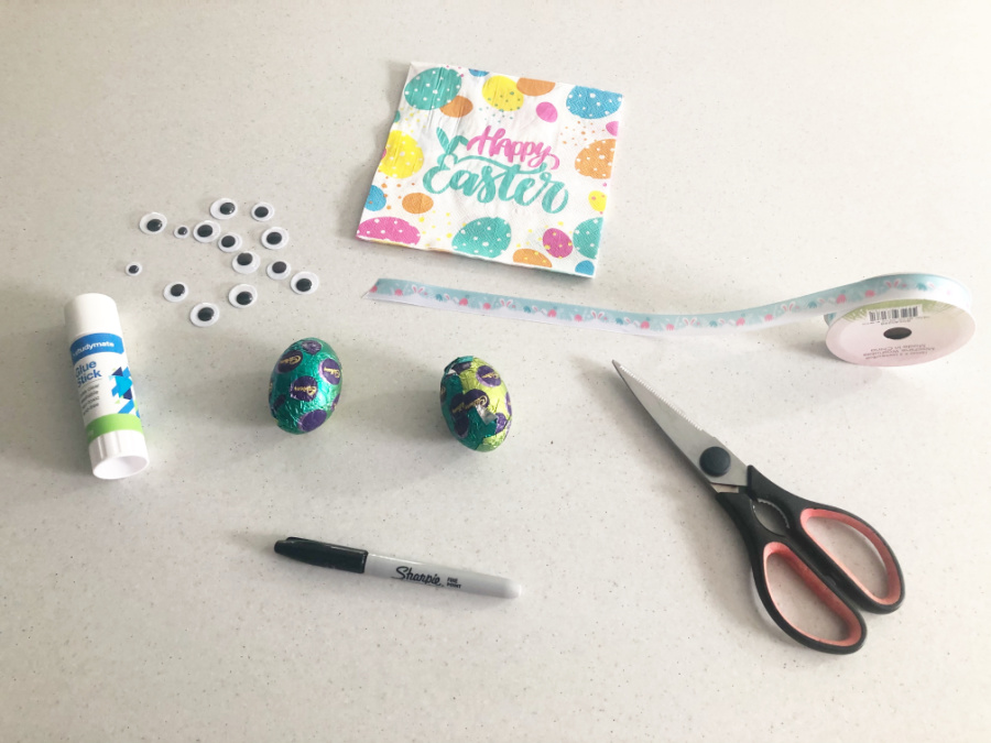materials for bunny napkin craft